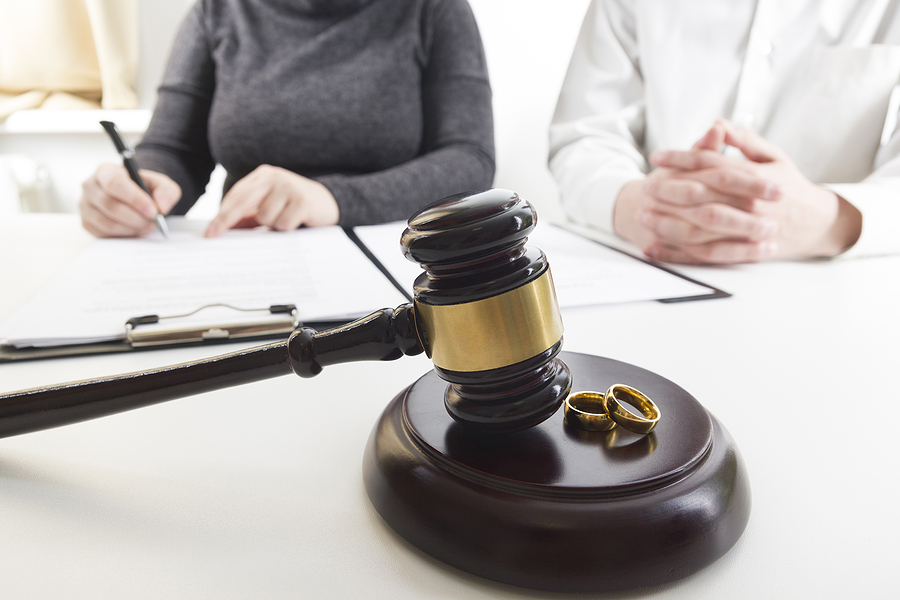 Couple having a consultation with family lawyers in Campbelltown